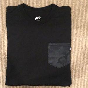 Nike SB Como Pocket T